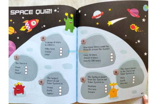 Whoosh! Puzzles Doodles and Space Facts (4)