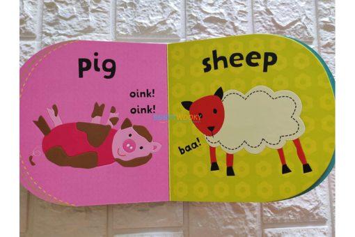 Baby-Look-and-Feel-Farm-9781408864081-inside2.jpg
