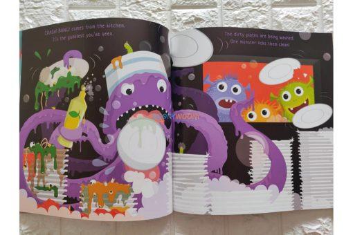 Monster-Maxs-Shark-Spaghetti-9781408851555-inside2.jpg